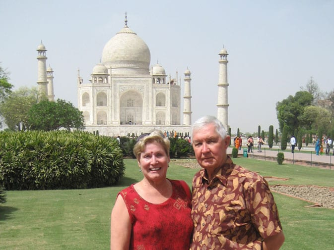 Margaret and her husband, Ron, in front of Taj Mahal