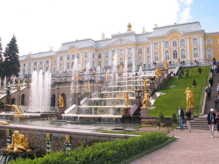 One of the many fountains at the Peterhof Palace