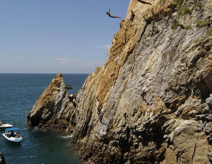 See The Cliff Divers Of La Quebrada In Acapulco Mexico