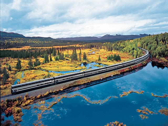Scenic Rail Travel Through the Alaska Wilderness