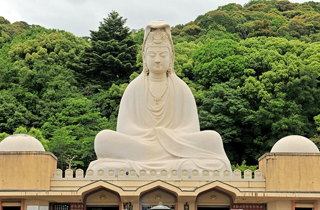 The statue of Bodhisattva Avalokitesvara in Kyoto stands at almost 80 feet tall
