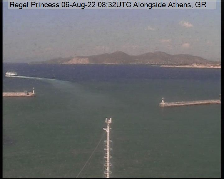 A live picture from the bridge of the Regal Princess